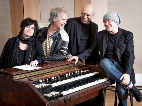 Le Chansons: Zeppetella, Bex, Lauren e Gatto